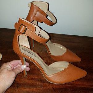 Nwot Breckelle's Isabel Heels size 11